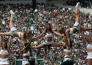 MSU Cheer Team performing.