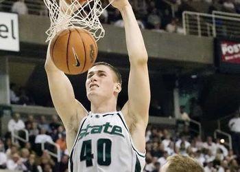 Paul Davis dunks