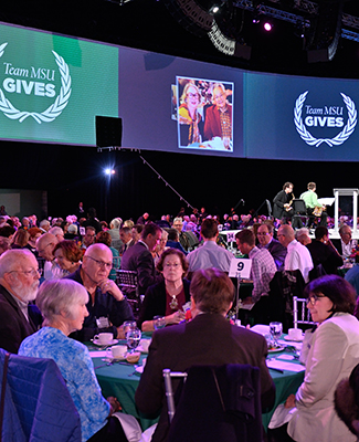 Donors enjoy lunch at the 2018 Thanks For Giving Luncheon