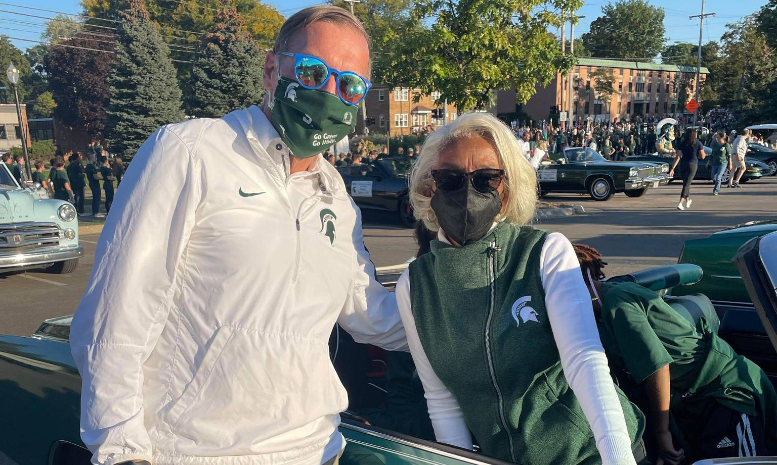 Dr. Barbara Ross-Lee and MSU President Stanley at the MSU Homecoming Parade