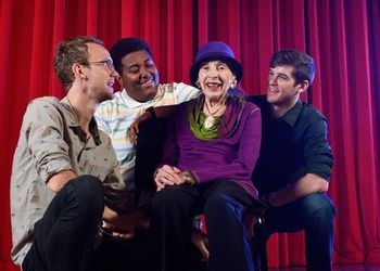 Selma Hollander and three music students